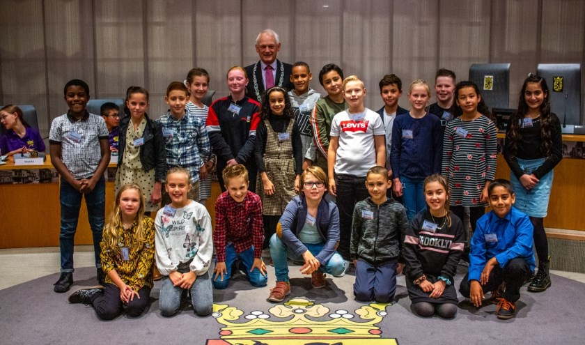 De komende twee jaar vertegenwoordigen de Kindergemeenteraadsleden alle kinderen van Schiedam. Elke school is met een kind vertegenwoordigd in de raad.