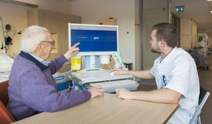 Patiënten kunnen via patiëntenportaal MijnETZ hun eigen digitale medisch dossier inzien. In het ziekenhuis, maar ook thuis.