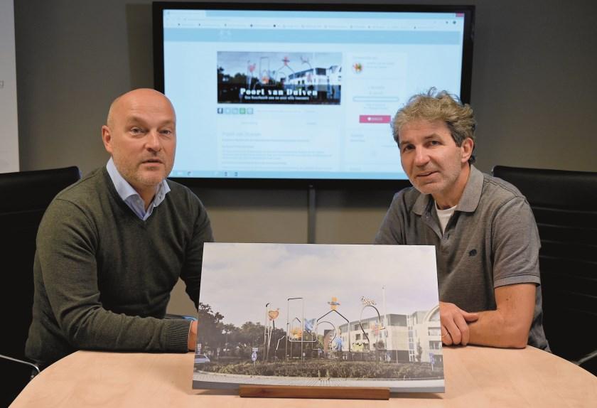 Maarten van der Geest (rechts) en penningmeester Richard Rigter van MKB Duiven met een impressie van het kunstwerk.