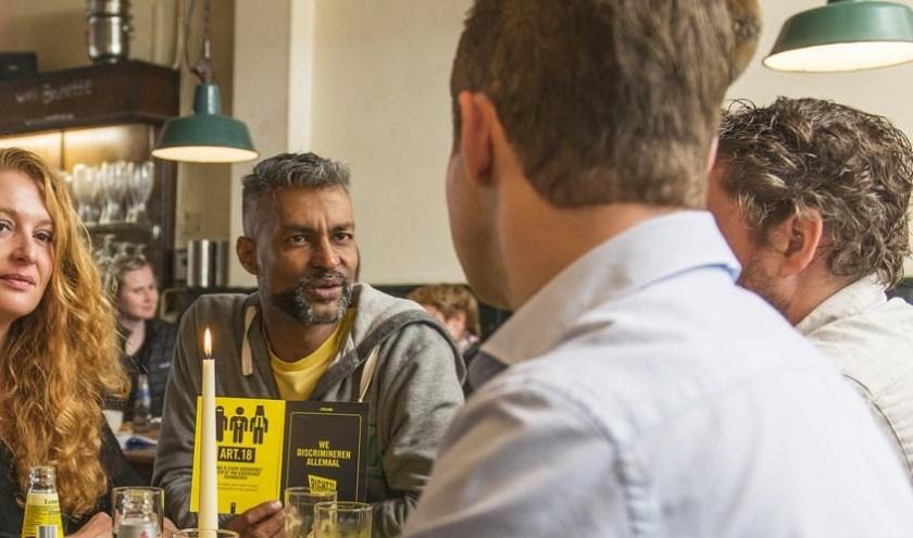 Amnesty Veldhoven vraagt aandacht voor de rechten van de mens met een sober ontbijt op zaterdag 7 december. FOTO: Stock