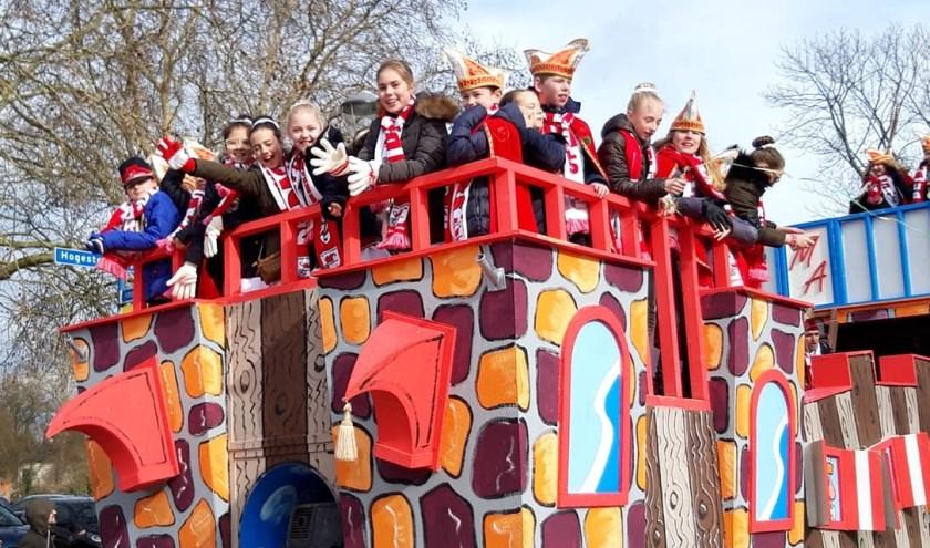 Wie-o-wie zal dit jaar met trots een mooie steek op het hoofd de prinsenwagen mogen bemannen in de Jeugdraad van 't Malse Arckeldurp?