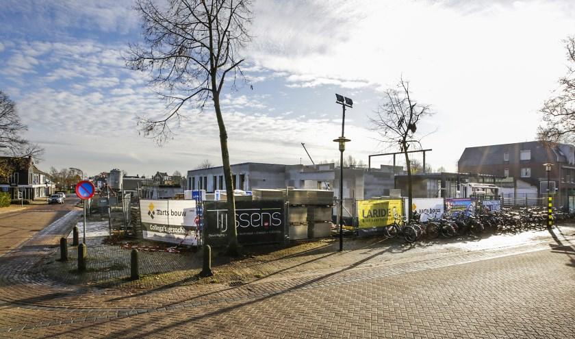 De bouwwerkzaamheden voor de nieuwe multifunctionele accommodatie zijn ondertussen in volle gang. Foto: Jurgen van Hoof