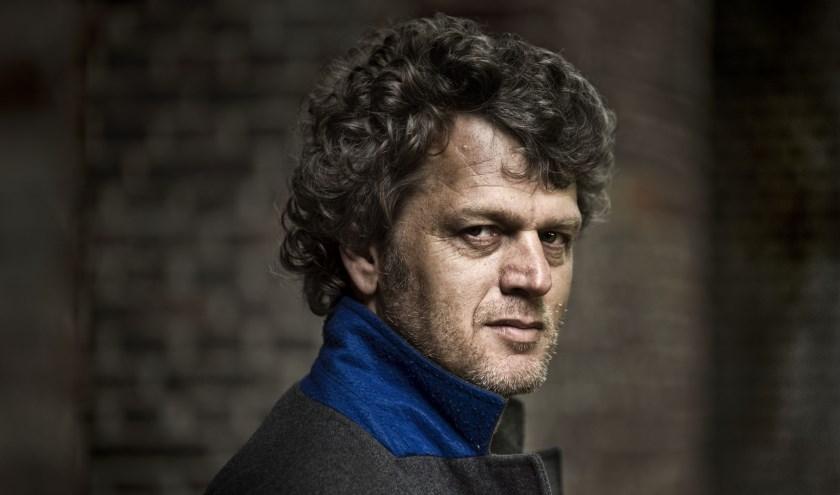 Jeroen Windmeijer wordt ook wel de Nederlandse Dan Brown genoemd. FOTO: Taco van der Eb