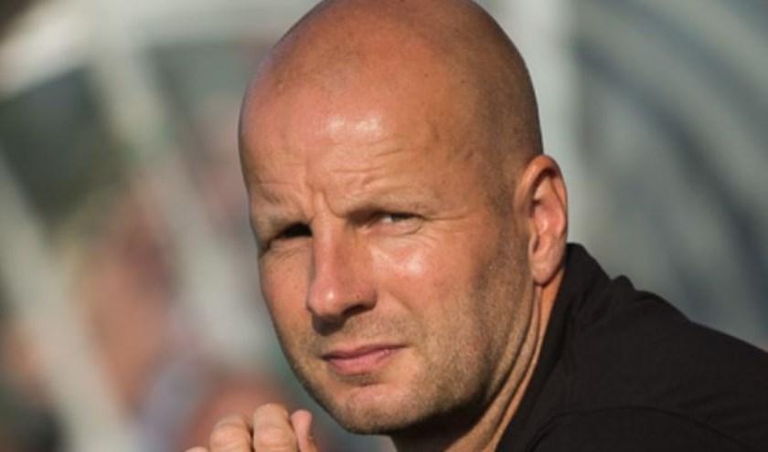 Erwin Brem, trainer van Voetbalvereniging Nunspeet, hoopt dat de derby tegen Hierden komende zaterdag veel publiek trekt. (Foto: Fred Hup)