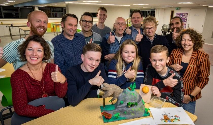 Jury en docenten Technasium zijn trots op de winnaars.