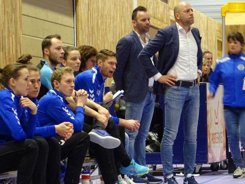 Het trainersduo van KV Wageningen, Erik van Brenk (voorgrond) en John Jonker (achter van Brenk), hebben aangegeven dat zij de club aan het einde van dit seizoen gaan verlaten.