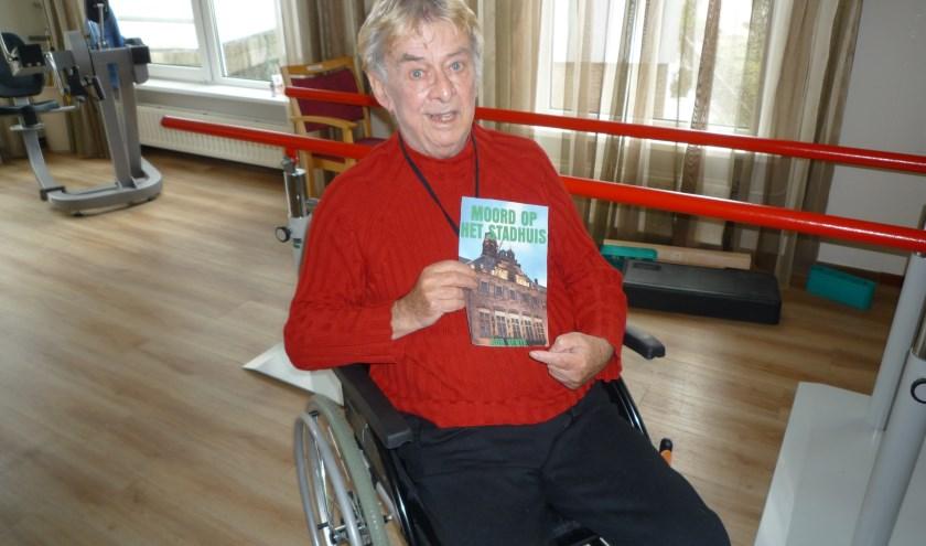 Rob Vente met zijn boek. (Foto: Privé)