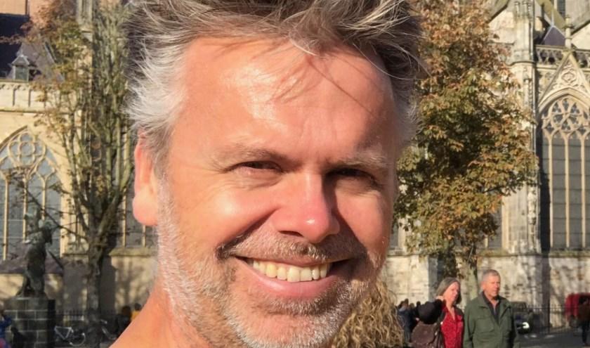 De Limburgse 'huisfluisteraar' Lars Boelen komt naar Utrecht en neemt je mee op zijn verduurzamingsreis.