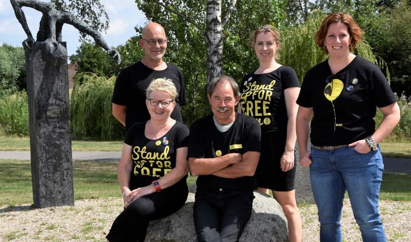 Achter: Anton Neijland, Nicole Ketelaar, Anneleen van Raaij. Voor: Hettie Klinkhamer, Ted Visser.