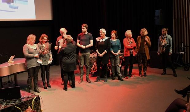 Na de presentatie werden de kunstenaars benoemd...  © DPG Media