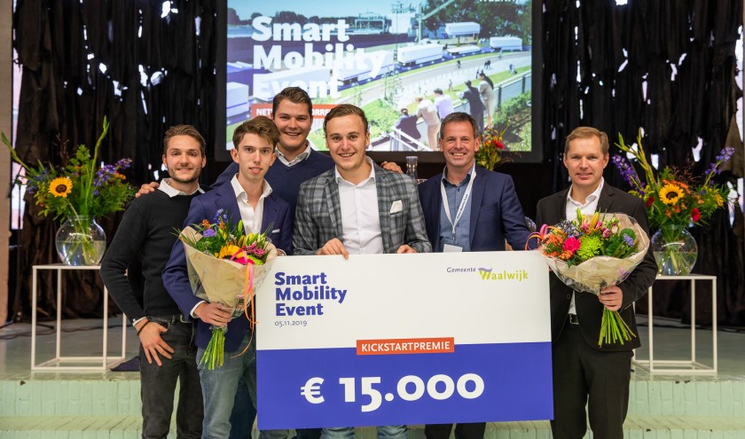 De startups Citysteps en InnoTractor sloegen de handen ineen en pitchten samen het idee om het bedrijventerrein van Waalwijk met de stad te verbinden met slimme elektrische steps en fietsen. Zij ontvangen een kickstartpremie van 15.000 euro.