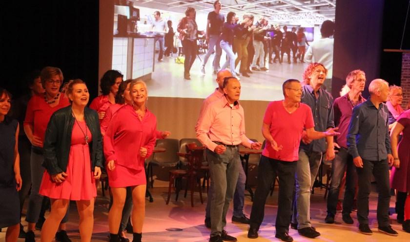 Het jubilerend koor Tutti Frutti gaf twee concerten in de Gelderlandfabriek.