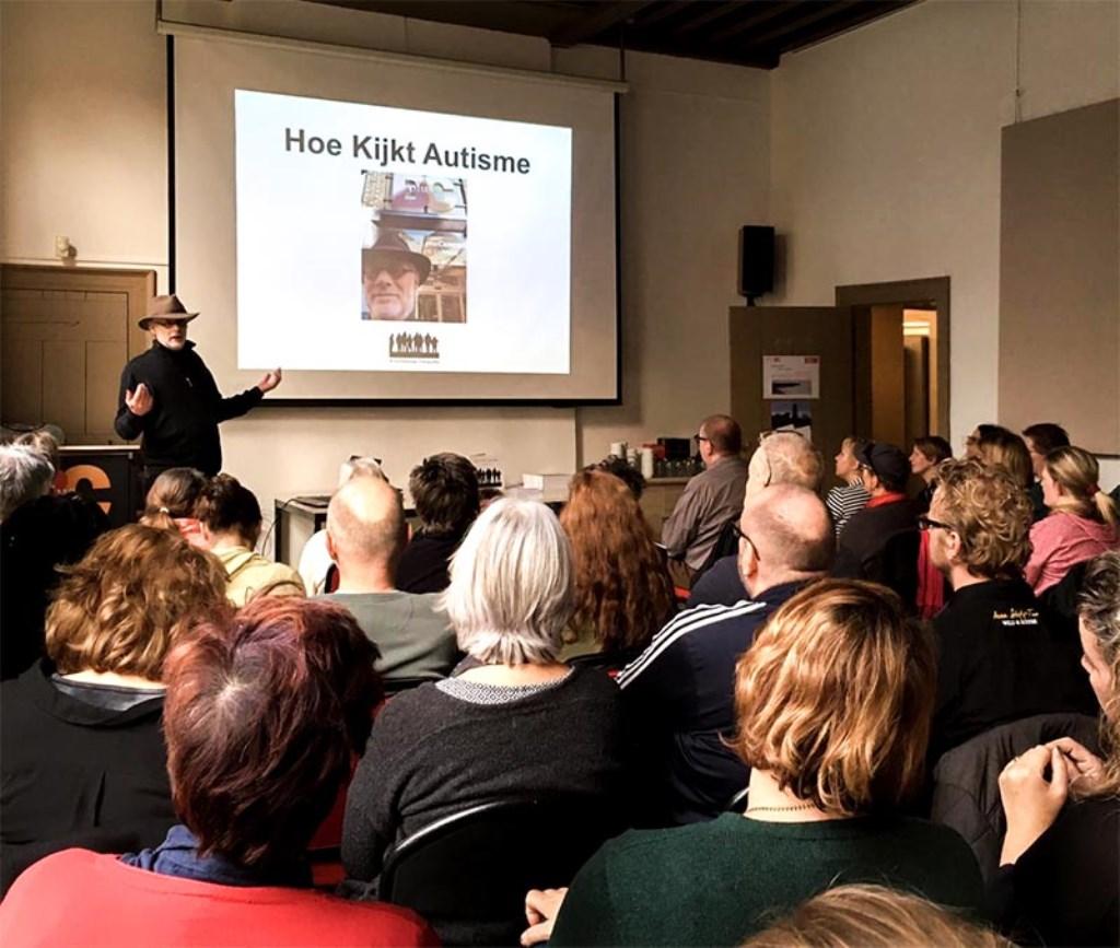 Ivo Ketelaar tijdens een eerdere lezing.   © DPG Media