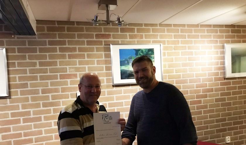 Links Jos van Zijl, rechts Wilbert Stapelvoort. (foto: duikteam Sub Aqua Libera)