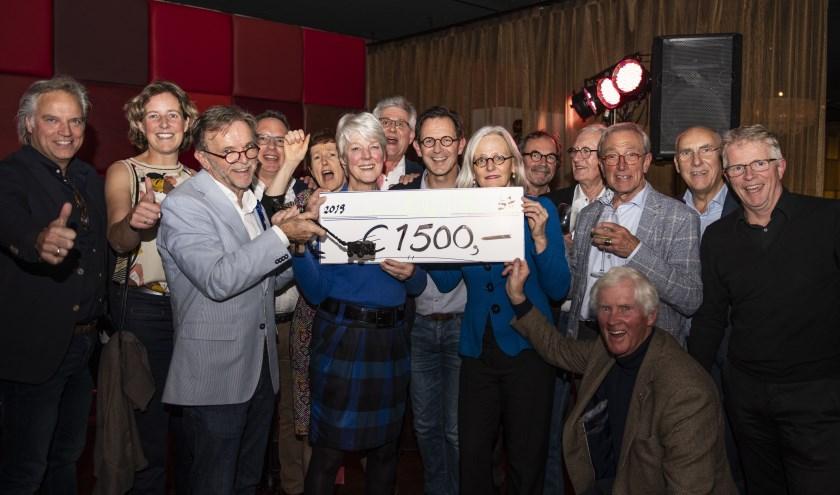 De InterService Apeldoorn Trofee is uitgereikt aan Rotary Apeldoorn en Rotary Apeldoorn-Zuid (Denyza Tulum Photography)