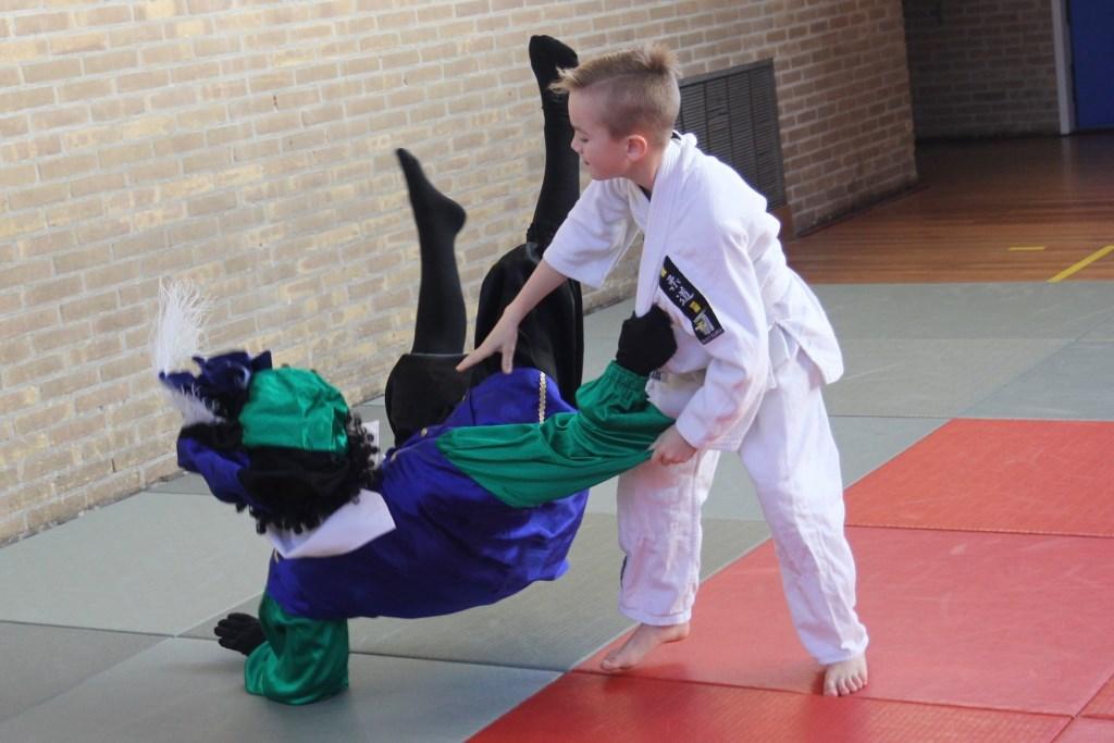 En dan mag je judoën met de Judopiet. Foto: Rita Evenberg © DPG Media