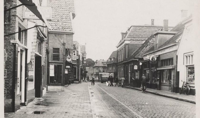 Rijssen - De Grotestraat in het stadshart van Rijssen waar Wim Vlogtman zijn jeugd doorbracht.