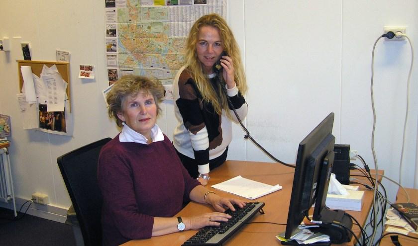 Florentine Wery (l)  en Marise van Schooten zijn heel alert als het financieel misbruik van ouderen betreft.