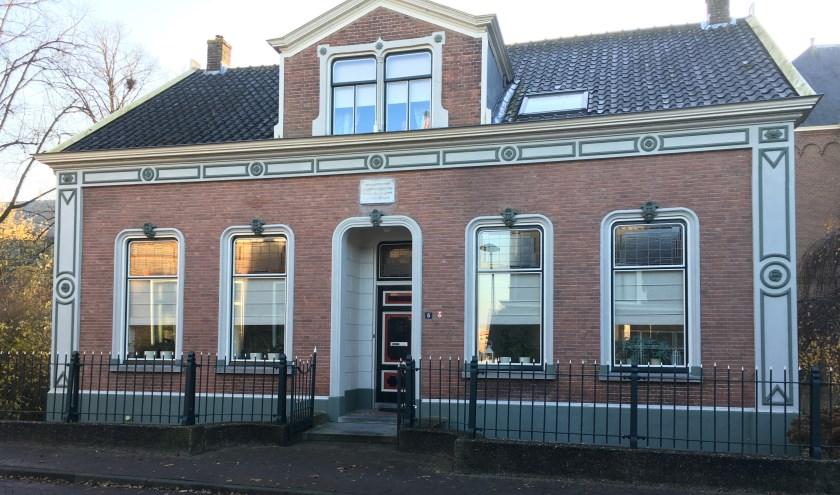 De pastorie met zijn fraaie Vlaamse gevel is nu een gemeentelijk monument. (Foto: pr)