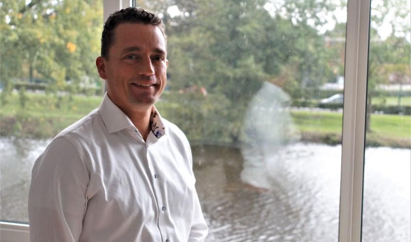 Jelmer Vierstra heeft in bijna iedere wijk van Woerden gewoond en is neergestreken op het Defensie-eiland waar hij met veel plezier woont.