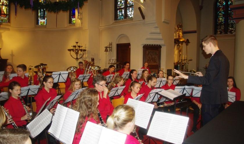 Jeugdorkest L'Union tijdens kerstconcert. Foto: Frans Peters