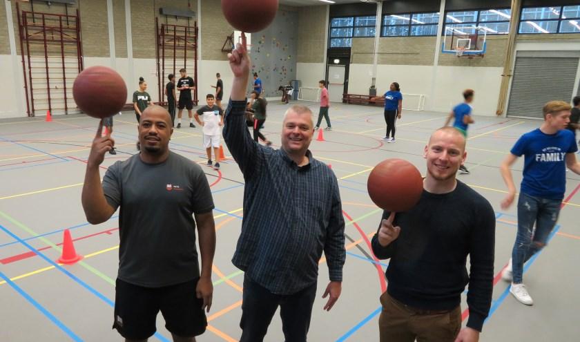 v.l.n.r.: Marthy Rodriguez (Hoofd Coach YETS Foundation), Michel Baas (Teamleider Accent Delfshaven), Peter Ottens (Oprichter/Directeur YETS Foundation)