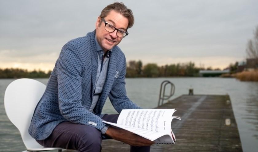 Jazzpianist Pieter van Santen speelt op 8 december in T't Kapelletje zijn kerstshow.