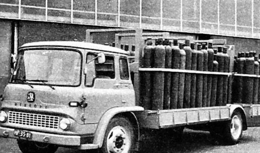 Eerste vervoer van staande cilinders in 1964.