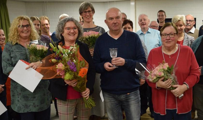 Wethouder Kristen Jaarsma met de jubilarissen.