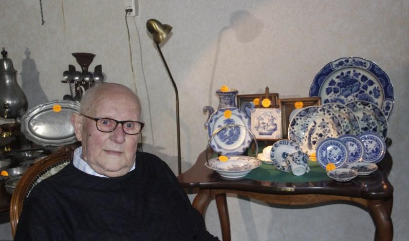Johan Koridor houdt van zijn antiek, maar moet na 84 jaar stoppen met zijn zaak