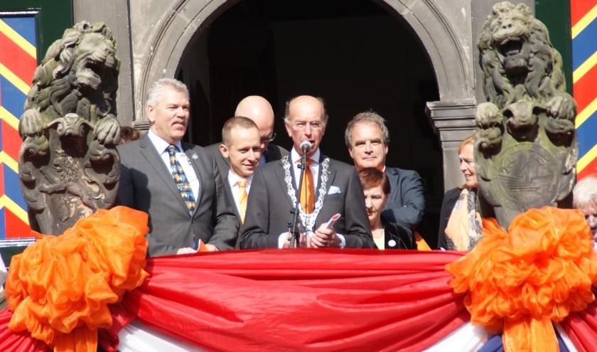 Bas Eenhoorn opende op Koningsdag in 2014, als waarnemend burgemeester, de activiteiten van de Stichting Nationale Gedenkdagen. Foto: Peter Spek