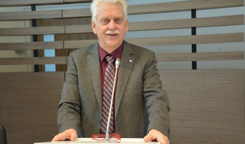 De overstap van het monistisch naar het duale stelsel ervaart wethouder Henk Wessel als een verlevendiging van de discussie in de gemeenteraad. (Foto: Dick van der Veen).
