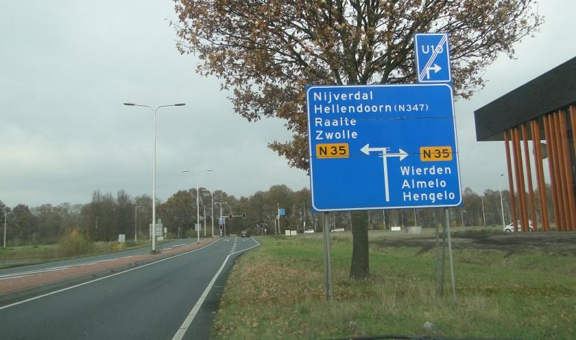 Vanaf de Burgemeester Boersingel kun je de N35 oprijden. (Foto: Leo Polhuys)