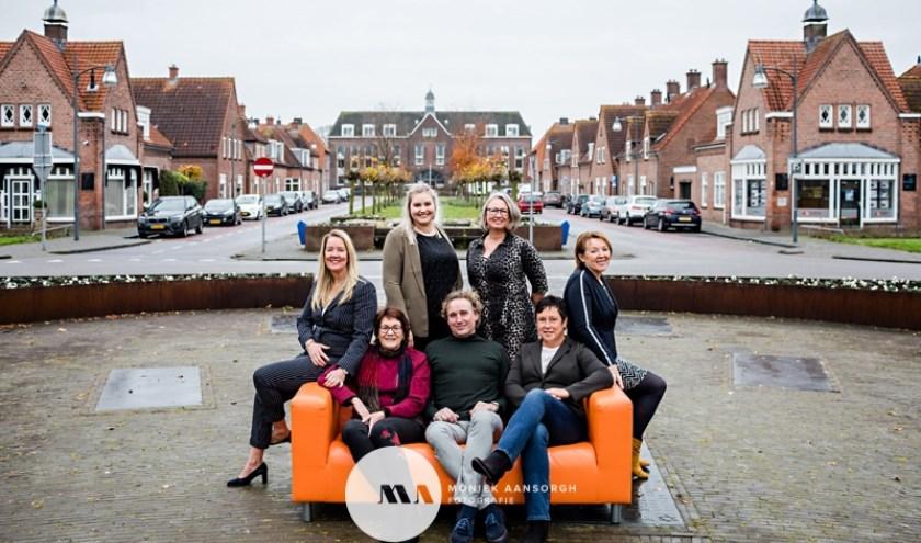 Het team van de makelaar van Twente, Jeannette, Ivo, Michelle, Roelie, Marleen, Irma en Eva, wenst iedereen een hele fijne kerst!