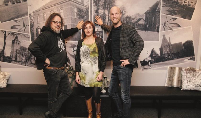 Paul Scheers (links) organiseert het 'No Sleep Metalfestival 4' samen met zijn vrouw Monique Disteli en Martijn Wieleman van Zalencentrum Wieleman.