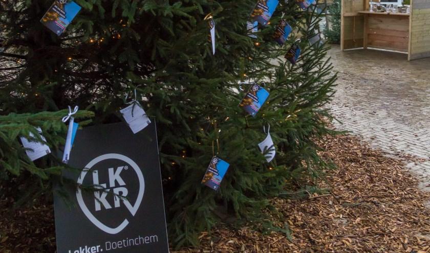 De kerstboom op het Simonsplein.