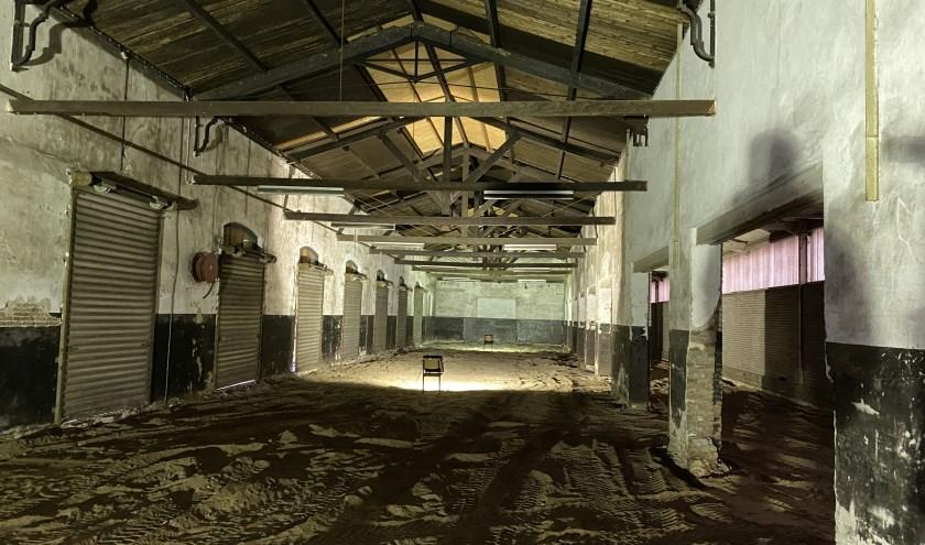 De binnenkant van de oude Van Gend & Looshal.
