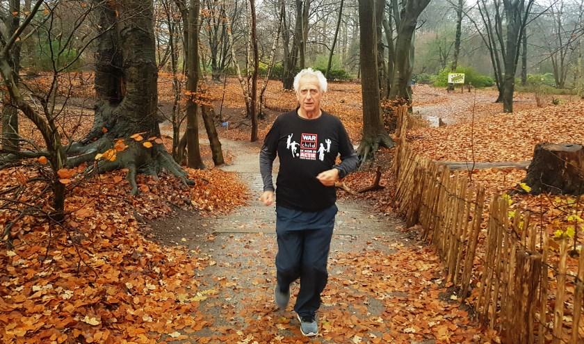 Bert Bom aan het trainen op de Wageningse berg. (foto: Kees Stap)