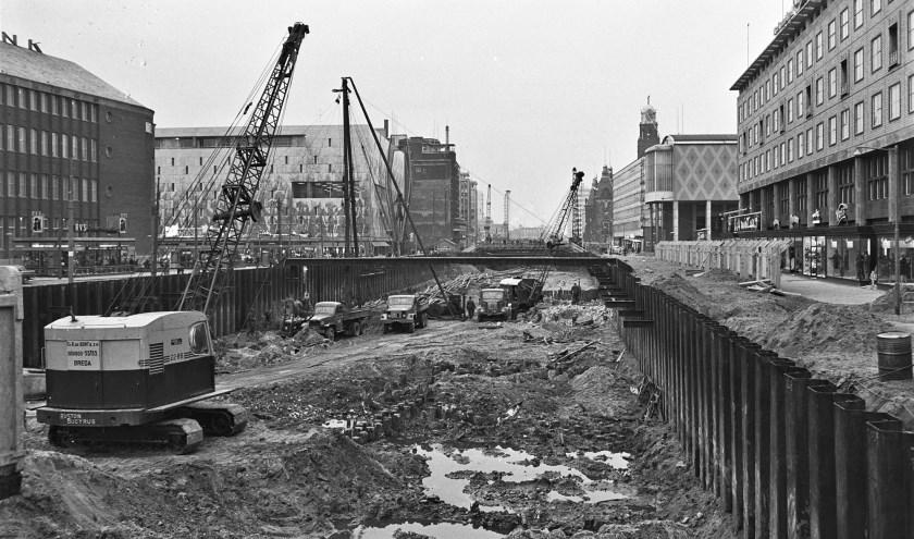 De bouw van de metrotunnel onder de Coolsingel in de jaren '60   Foto: ANP