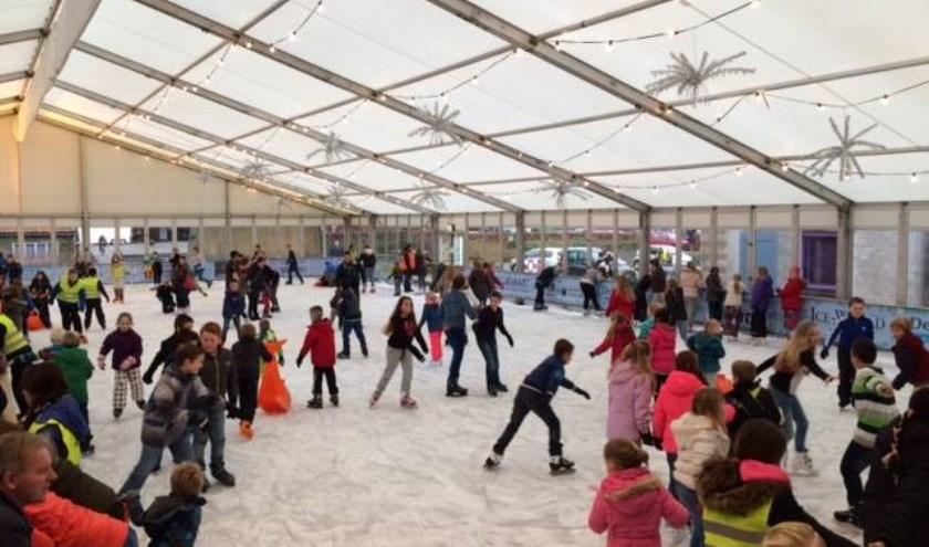 Drie weken overdekt schaatsplezier in Rozenburg.