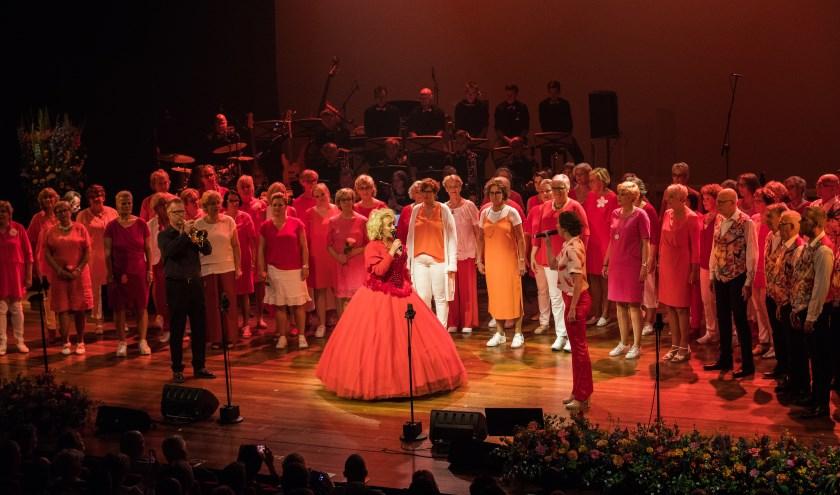 Aan het grote jubileumconcert van Nootwaar in september werkten ook de Nieuwe Veste Bigband en Karin Bloemen mee.