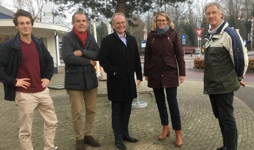 Julian Snaterse, Koos Frijlink, Koos de Looff, Marije Storteboom enJeroen Snaterse (v.l.n.r.)