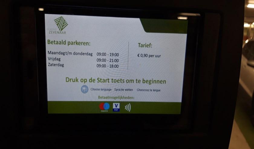 Dinsdag 31 december en woensdag 1 januari is parkeren gratis in het centrum van Zevenaar. (foto: Danny van der Kracht)