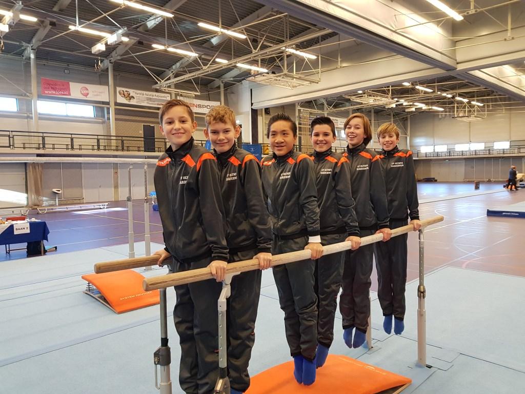 De jeugd turners Van voor naar achter Rowan van het Hul, Wessel Brands, Jin Brandsma Daan Haitsma, Hank Hendrikx, Milan Heldoorn   © DPG Media