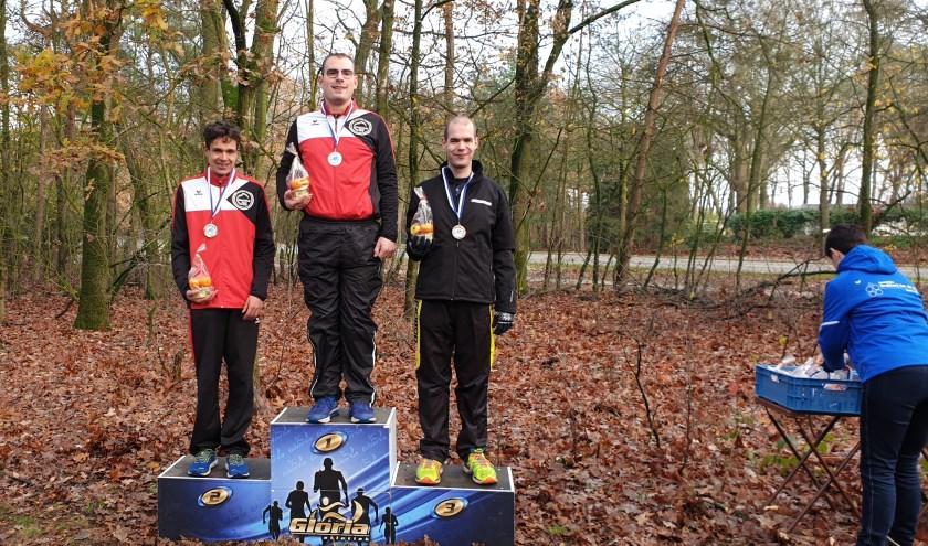 Bij de Jongens VB Atleten 16+ kwamen Lars van Ravenstein uit Waalwijk en Rick Standaert uit Kaatsheuvel als eersteen tweedeover de finish.
