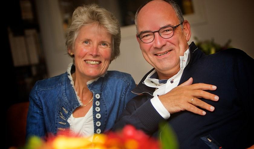 Nelly en Henny van Kooten blikken veertig jaar vooruit. Hoe staat het er dan voor met Het Carillon? Is de papieren krant vervangen door nieuwsapps? En bestaat de gemeente Maasdriel in 2060 nog?