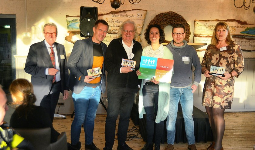 Winnaars Slingerjaarprijs 2018 samen met Slingervoorzitter Frank Kerckhaert