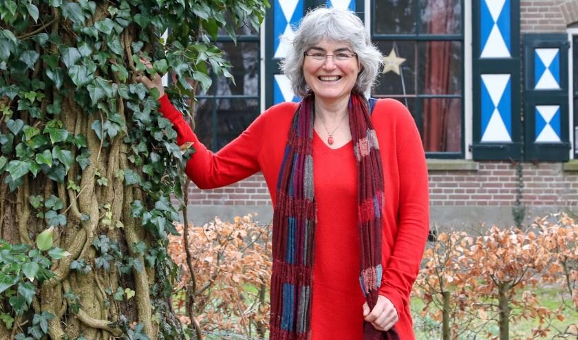 Maaike Gerritsen uit Zwolle houdt elke vrijdagavond in kleine groepenStemBevrijding.