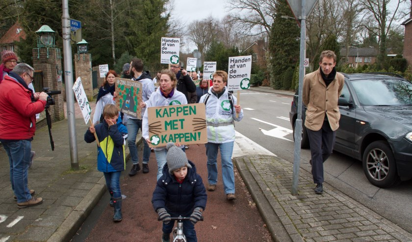 Deelnemers aan de protesttocht van zaterdag. De demonstratie was op de valreep georganiseerd door de Partij voor de Dieren.