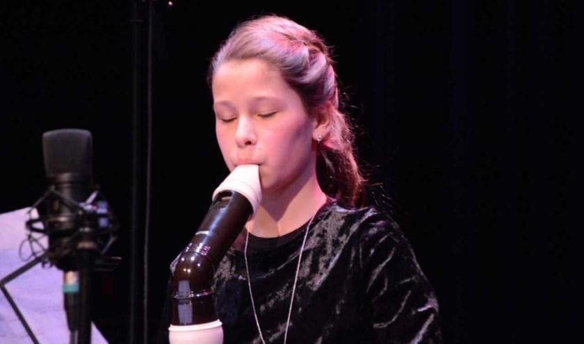 Emma Harbers won de zoektocht naar klassiek talent van Muziek onder de Trap.